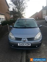 Renault Grand Scenic 7 seater 2005 9 miles still runs spares or repairs