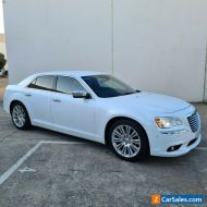 Chrysler 300 Luxury v6 petrol immaculate condition throughout RWC REG & WARRANTY
