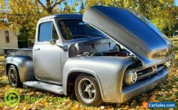 Ford: F-100