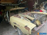 Xb ford falcon 500 12 of 73 has all panels bean dismantled cuts on the pelemn