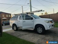 2009 Toyota Hilux SR5 Automatic with canopy roof racks