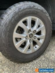 2018 200 Series Landcruiser VX/Sahara (Genuine) 18x8 Alloys - Set of 4 & Tyres