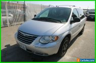 2006 Chrysler Town & Country Limited 4dr Extended Mini-Van