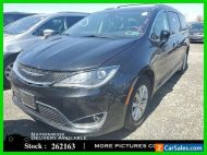 2018 Chrysler Pacifica Touring L CAM,HTD STS,PARK ASST,17IN WLS,3RD ROW