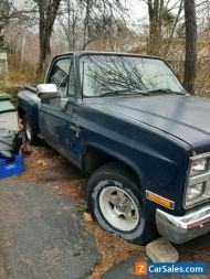 Chevrolet: C-10 Custom Deluxe