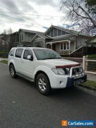 2010 Nissan pathfinder STL