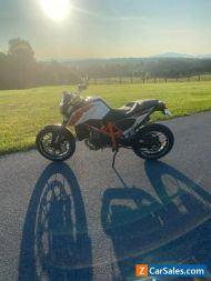 2015 KTM 690 Duke