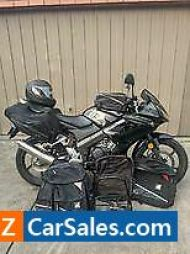 Honda CBR125r- low kms - heaps of extras!
