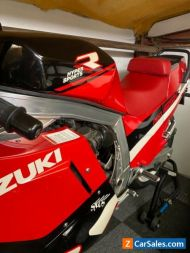 Suzuki Gsxr J 1100 slabside 1988 UK Bike