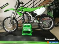 Kawasaki KX250 2006 in awsome condition. Suit collector!